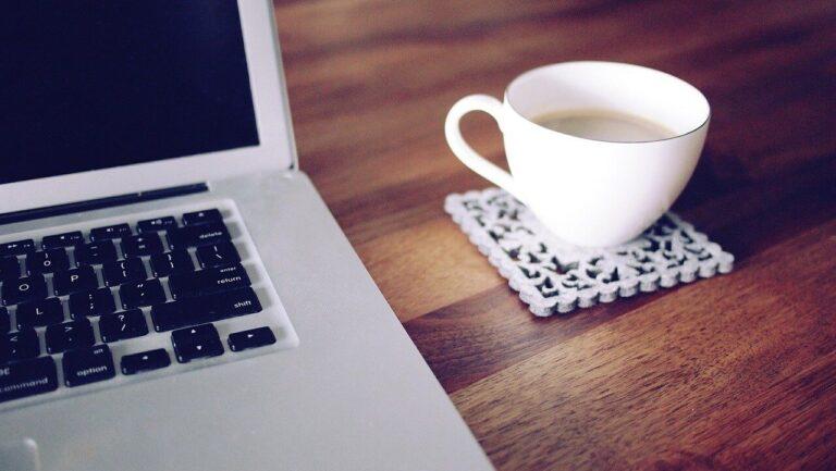 Dowiedz się, czy pisanie artykułów na bloga firmowego korzystnie wpłynie na Twój wizerunek!