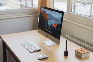 Co powinna zawierać umowa w copywritingu? Dowiedz się!